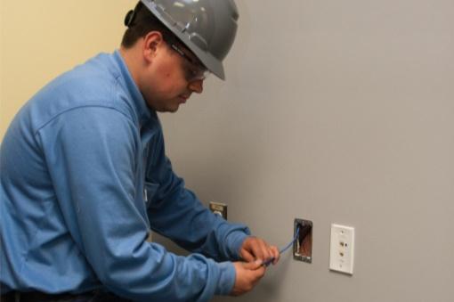 electrical installer tech thumb
