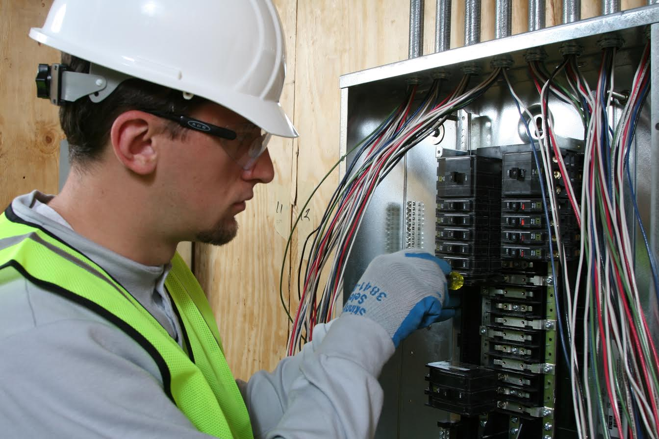 train for a career as an electrical wireman